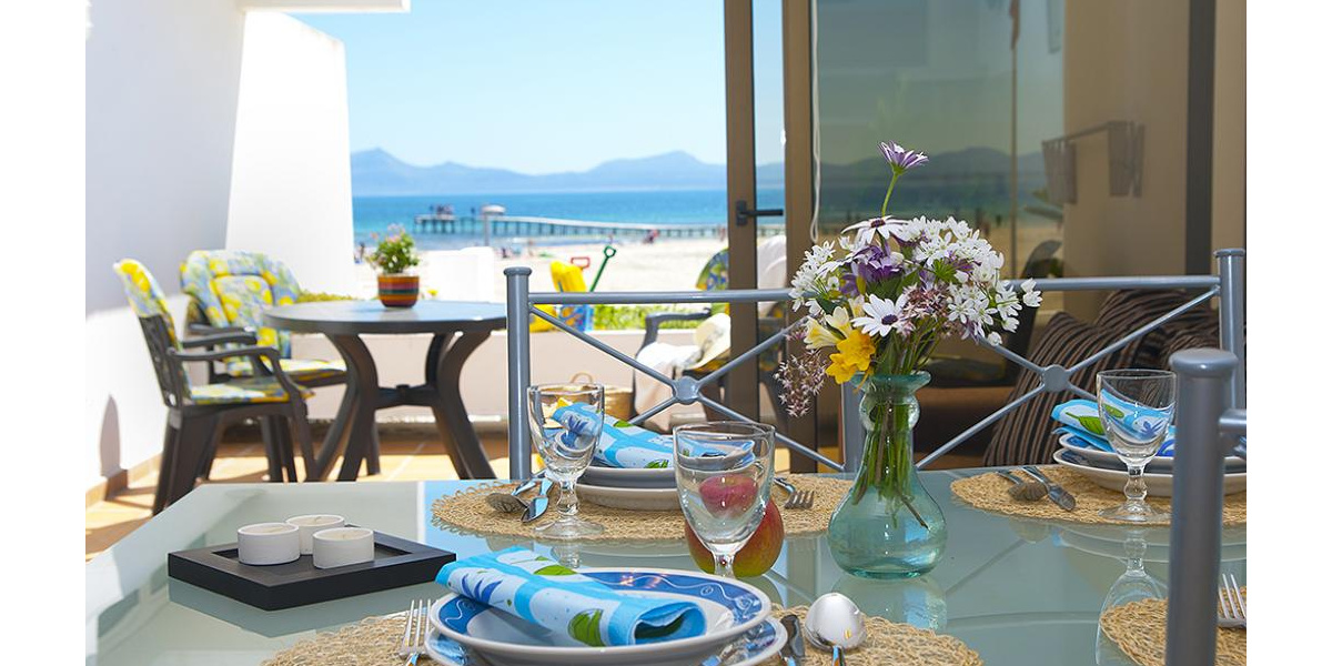 Playa de Alcudia apartment rental - In beachfront, communal areas enjoy amazing and spectacular views of the sea.
