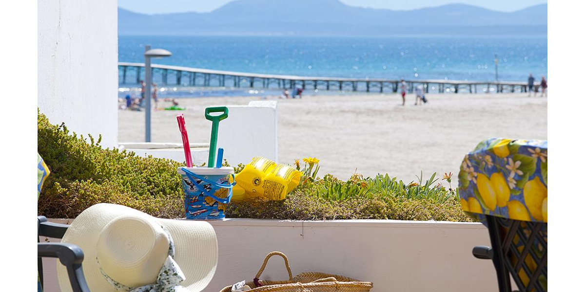 Playa de Alcudia apartment rental - Enjoy one of the most beautiful views of the beach of Puerto Alcudia.