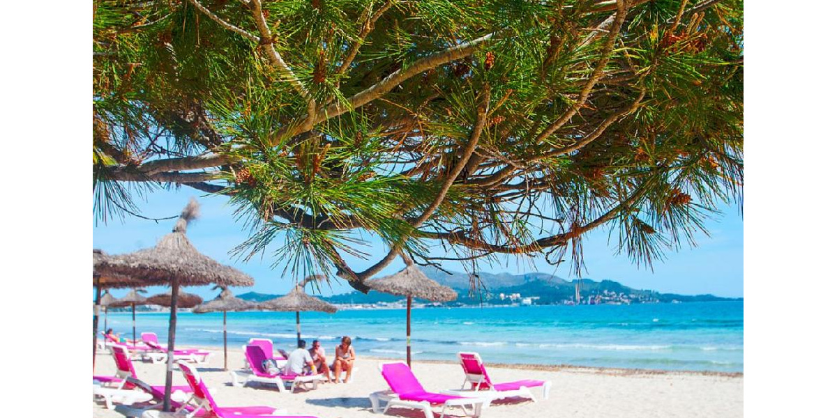 playa de Alcudia apartment rental - The beach is crystal clear turquoise waters dreamed space for leisure..