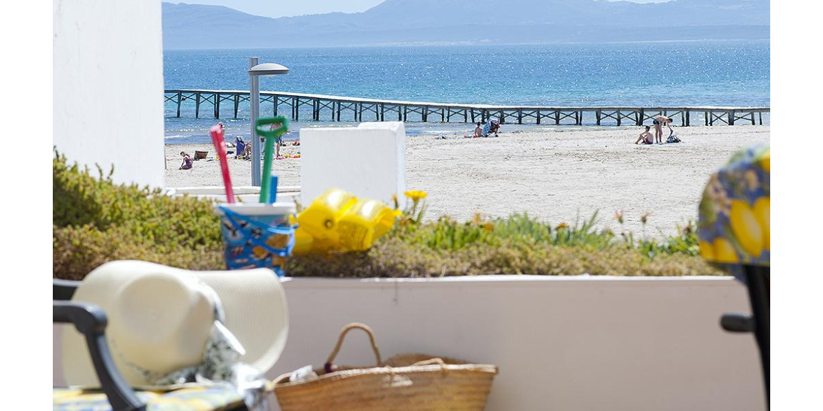 Playa de Alcudia apartment rental - Incredible views of the iconic bridge from the fabulous Alcudia beach terrace.
