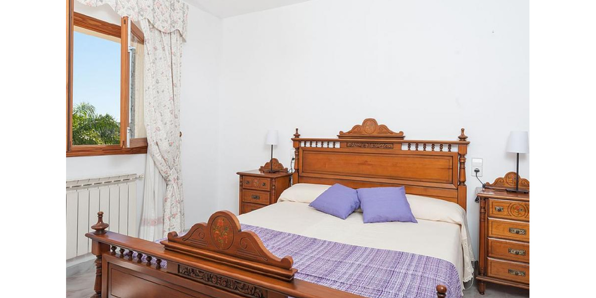 Marina Manrera villa rental - Double bedroom with en suite bathroom.