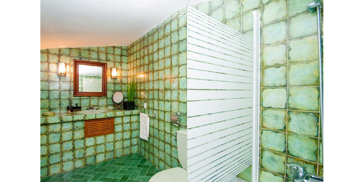 Magnificent bathroom en suite of the Tower viewpoint of the amazing villa.