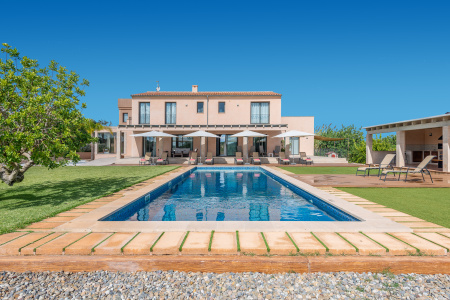 La Torre de Aumallia in Majorca is a luxury rural villa with SPA, Turkish bath and Jacuzzi